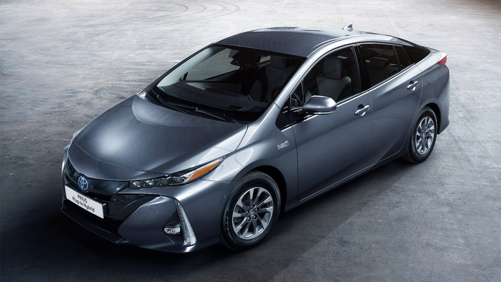 toyota prius plug in hybrid evolution. Black Bedroom Furniture Sets. Home Design Ideas
