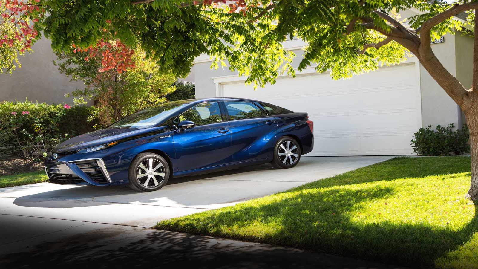 Fuel Cell Vehicle Toyota Europe Further Hydrogen Oxygen On Car Engine Diagram The Of Tomorrow In Your Driveway Today