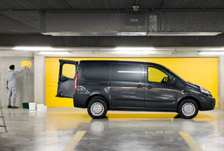 Toyota Proace, Black exterior, side view