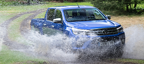 Toyota Hilux, exterior blue,through water.