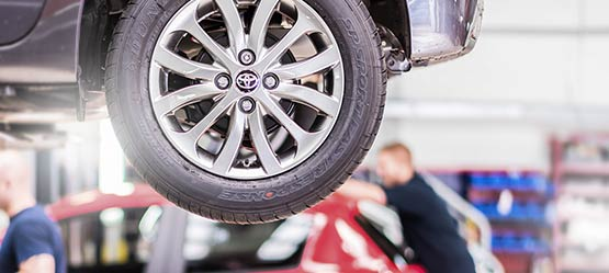 "<span style=""font-size: 20pt;"">Price match guarantee on tyres</span></br><span style=""color: rgb(204, 0, 51); font-family:toyotadisplay_rg; font-weight=normal; font-size: 14pt;"">Now with free puncture service*</span>"