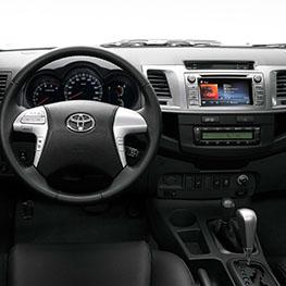 ברצינות טויוטה היילקס החדש: אגדת 4X4 אמיתית - Toyota Hilux YL-27