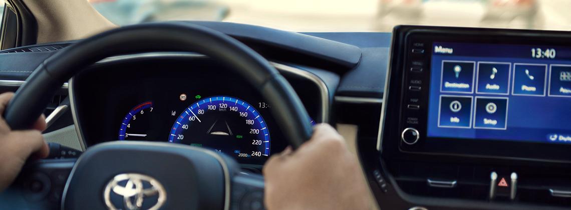 Pārbaudi,vaitava automobiļa gaisa kondicionētājs ir labākajā darba kārtībā