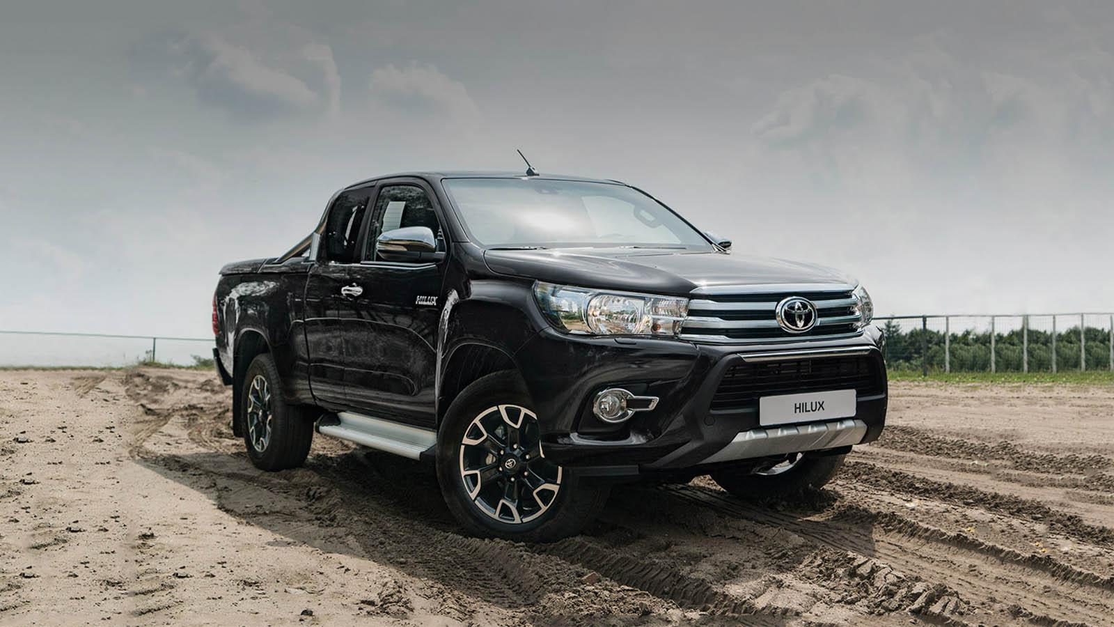 50 jaar toyota nederland Toyota Hilux viert 50 jaar onverwoestbaarheid  Toyota 50 jaar toyota nederland