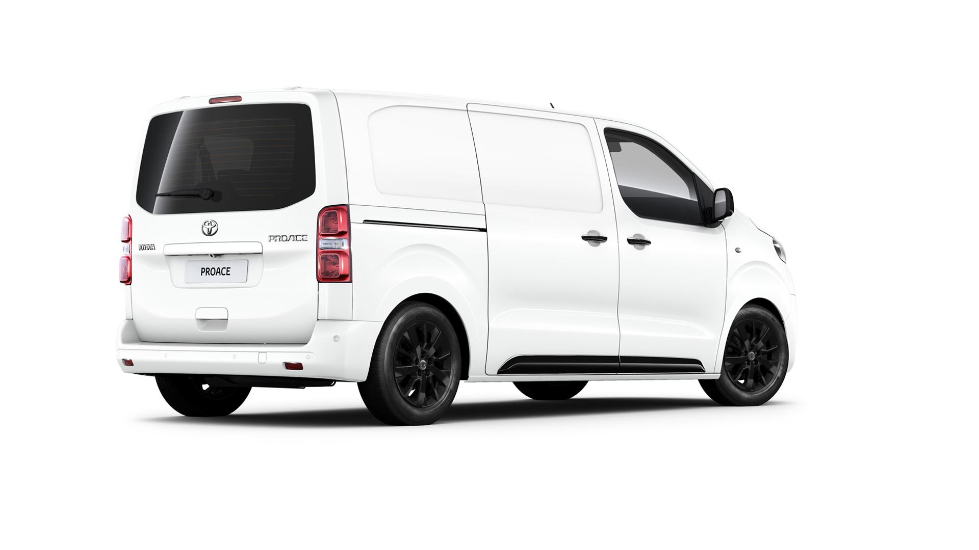 Toyota Ticari Arac Pazarina Professional Ile Giriyor
